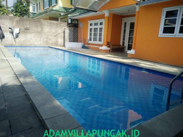 sewa villa di puncak ada kolam renang