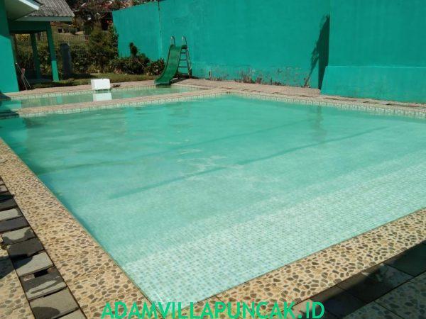 villa dekat taman bunga nusantara kolam renang pribadi