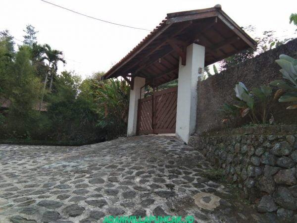 Villa Jeprah Puncak Kolam Renang, Karaoke, Billiard