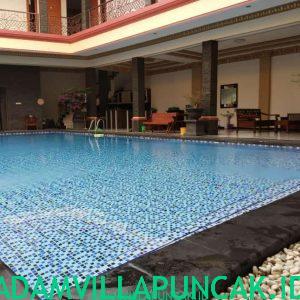 villa di kota bunga kolam renang pribadi