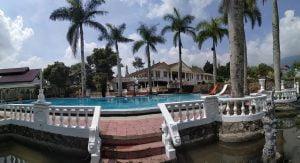 sewa villa di puncak fasilitas kolam renang pribadi