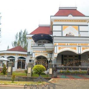 villa mewah di puncak dengan private pool