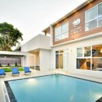 Villa ALW Puncak 3 Bedrooms Private Pool Mewah